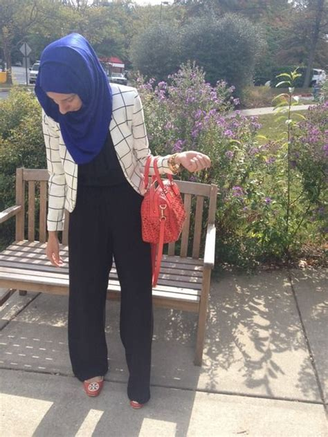 Cacao Hijabmatch Royal Blue mix match black jumpsuit white checkered blazer royal blue scarf bag and flats