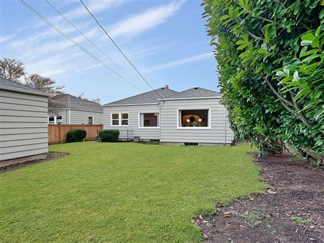 updated 3 bedroom 1 75 bath south everett home for sale youtube bright updated 3 bedroom 1 75 bath bungalow in proctor