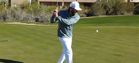 graham delaet golf swing graham delaet challenges fans to juggle like him