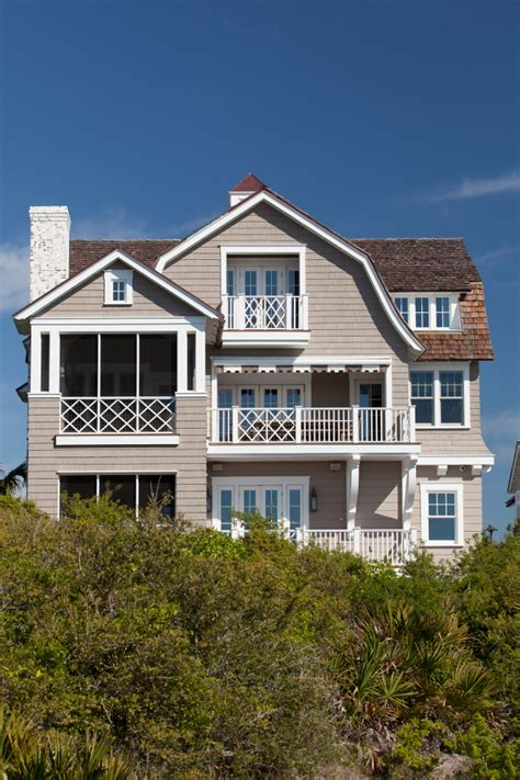 shingle beach cottage with coastal interiors home bunch shingle style beach house with classic coastal interiors