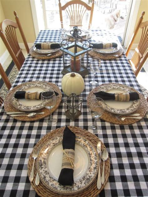 elegant black  white thanksgiving decor ideas digsdigs