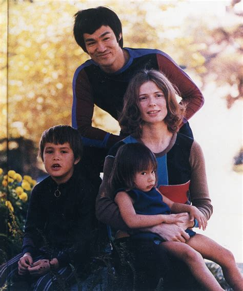 bruce lee family biography bruce lee bruce lee