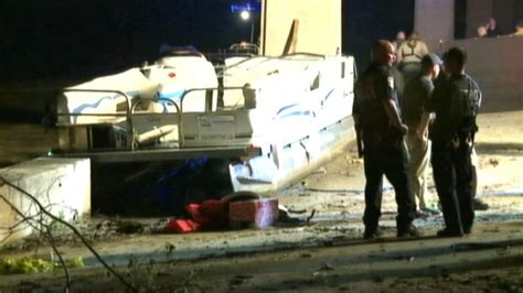boating accident yellowstone river 2 dead 3 missing in ohio river boating accident video