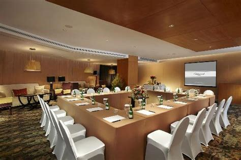restaurants with meeting rooms meeting room facilities hollow conference picture of oakroom restaurant bar jakarta