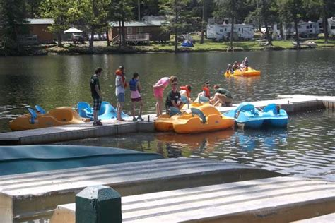 boat rentals cooperstown ny jellystone park cooperstown new york ny cing cabins