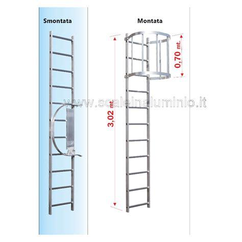 scala a gabbia scala con gabbia di protezione modulo di partenza 02