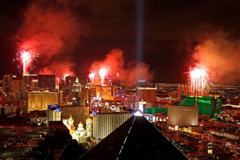 new year in vegas 2016 las vegas readies for entertaining chilly new year s