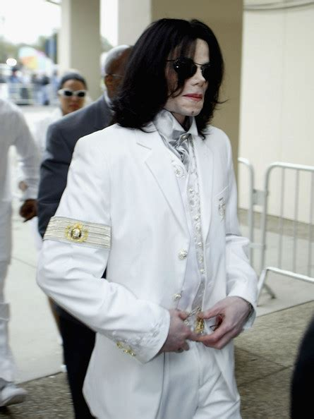 biography of michael jackson in spanish michael jackson court case continues zimbio