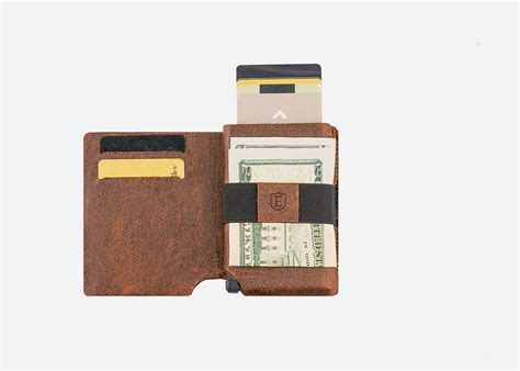 Ekster special smart wallet keeps your cards safe and trackable   Cult of Mac