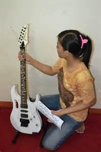 Gitar Ibanez Jem Flower 28 1 500 000 jual gitar ibanez jem flower mumer d musix