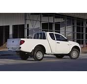 2011 Mitsubishi Triton Club Cab Reintroduced  Photos