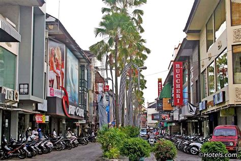 kuta square  bali kuta beach shopping