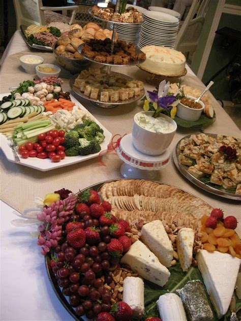 Buffet table decorating ideas ? how to set elegant arrangements