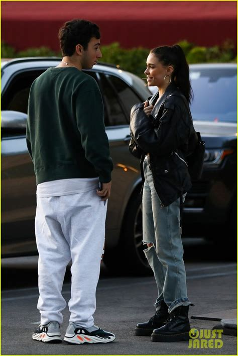 madison beer kygo madison beer reunites with boyfriend zack bia after