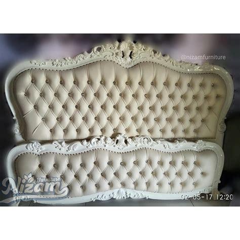 Kulit Jok Putih Imitasi tempat tidur ukir duco nizam furniture