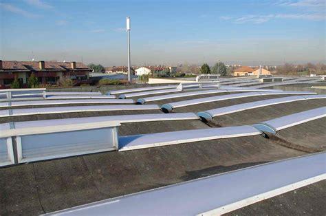 lucernari per capannoni prezzi lucernari in policarbonato bergamo deltasystem srl