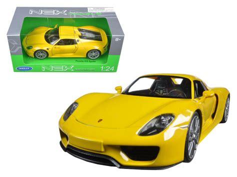 Diecast Welly Porsche 918 Spyder Putih porsche 918 spyder yellow closed roof 1 24 diecast model car by welly