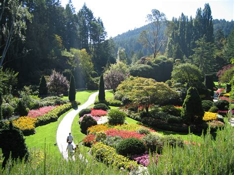 Description Of A Beautiful Garden File Butchart Gardens Jpg