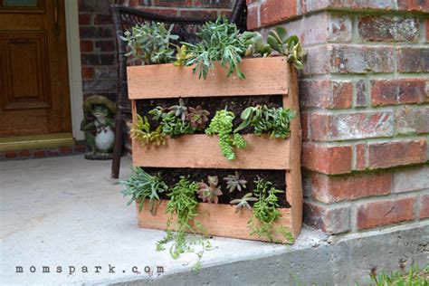 Pallet Planters For Sale by Diy Cedar Pallet Succulent Planter Spark