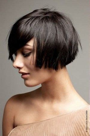female hair styles for a cut just below the ear blunt cropped bob that hits just below the ear with long