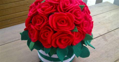 Buket Bunga Flanel Bunga Wisuda Buket Bunga Cantik bunga flanel wisuda buket bunga boneka wisuda jual bunga wisuda lanjutan langkah membuat
