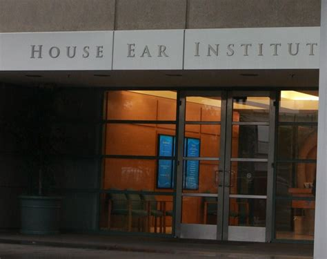 house ear institute house ear institute in renee zellweger leaving the house ear institute zimbio