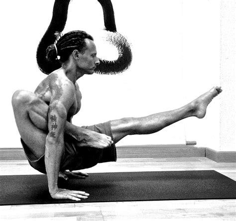 ajustes de yoga formacion en yoga ajustes con ricardo ferrer formaci 243 n yoga