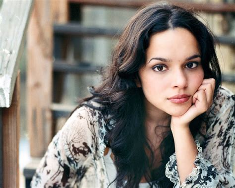 norah jones singer top music news beautiful singer photos gallery of norah
