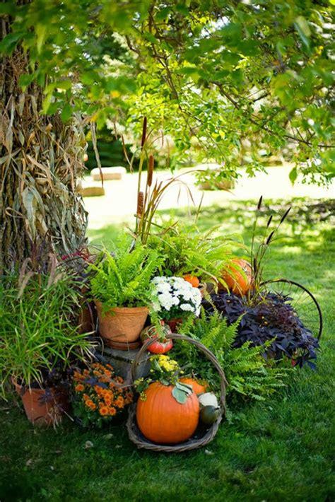 fall garden decorations impressive autumn garden decor ideas