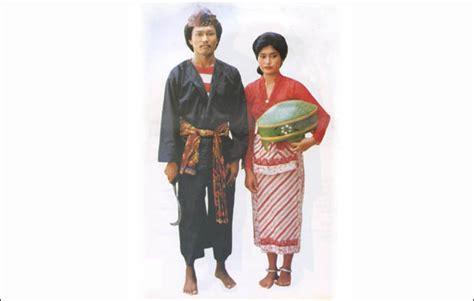 Filosofi Baju Adat Madura pakaian adat madura pria dan wanita gambar dan keterangannya adat tradisional