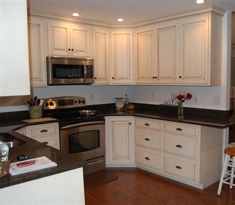 Custom Painted Kitchen Cabinets Paint Amp Glaze Kitchen Cabinets Dutch Haus Custom
