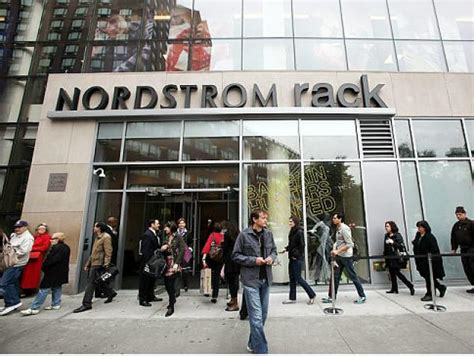 Nordstrom Rack In San Francisco by Nordstrom Union Square Green Sandals