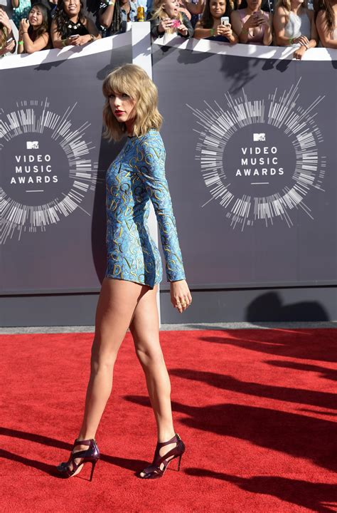 10 Great And At The Awards by 2014 Mtv Vmas Top 10 Best And Worst Dressed On The