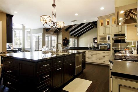 Chateau Kitchen by Encino Chateau