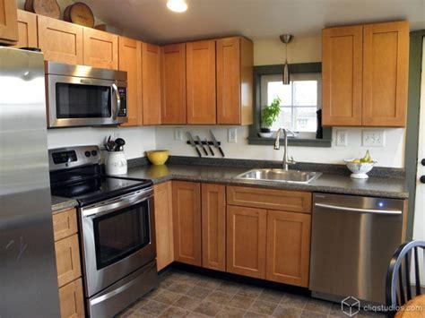 Classic Maple Kitchen   Contemporary   Kitchen