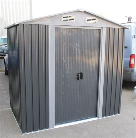 Sheds With Free Fitting by Buying A Metal Shed Advice And Fitting Tuin Tuindeco
