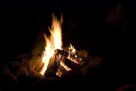 lagerfeuer garten die feuerschale ein lagerfeuer mit stil garten