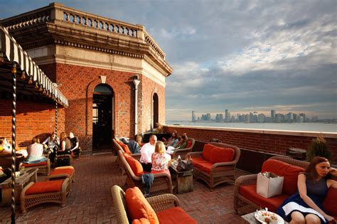 top rooftop bars new york the best rooftop bar in nyc
