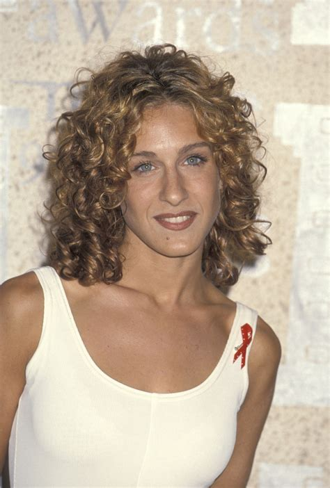 super lob curled sarah jessica parker proves curly hair is super chic