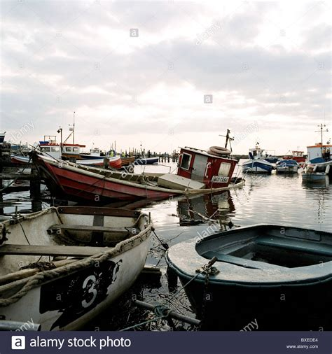 sinking boat canada sinking boats stock photos sinking boats stock images