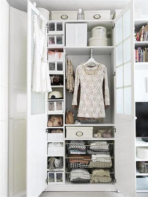 rangement garde robe 5 trucs pour mieux organiser sa garde robe