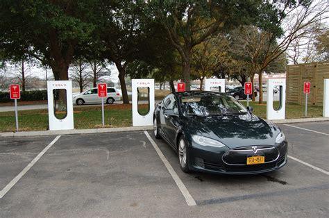 Tesla Charging Stations Florida Hyundai Vs Tesla Exec Claims U S Funds Superchargers