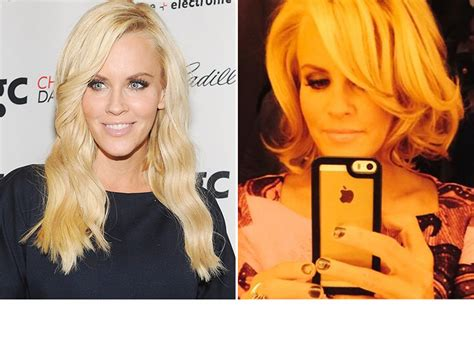 does jenny mccarthy have a weave jenny mccarthy chops off her hair see short new do
