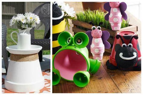 vasi di terracotta colorati come arredare casa e giardino con semplici vasi di terracotta