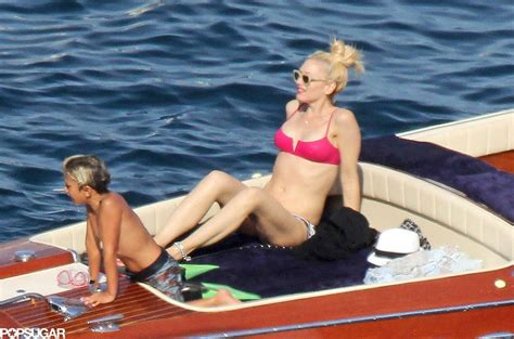 banana boat ride while pregnant gwen stefani showed off her bikini body on a boat with her
