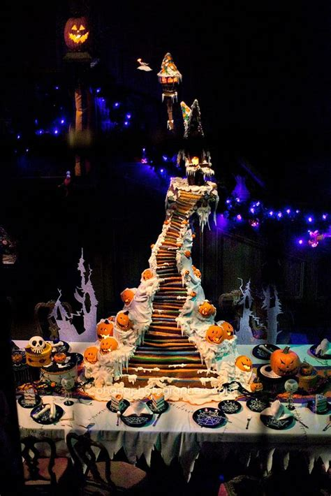 christmas haunted house disneyland haunted mansion holiday gingerbread house 2012 nightmare before