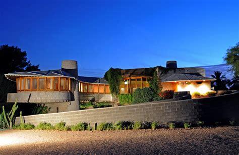 owners of frank lloyd wright designed house lobby arcadia neighbors arizona real estate news