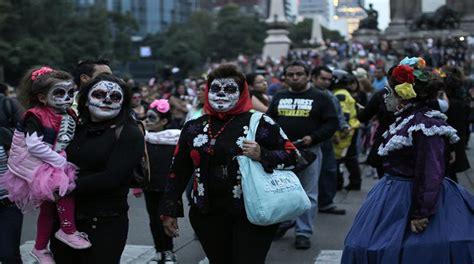 celebracin da de los difuntos en las comunidades inicia la celebraci 243 n del d 237 a de los muertos en el mundo