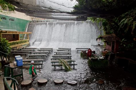 Villa Escudero Waterfalls Restaurant | my world waterfall restaurant villa escudero labasin