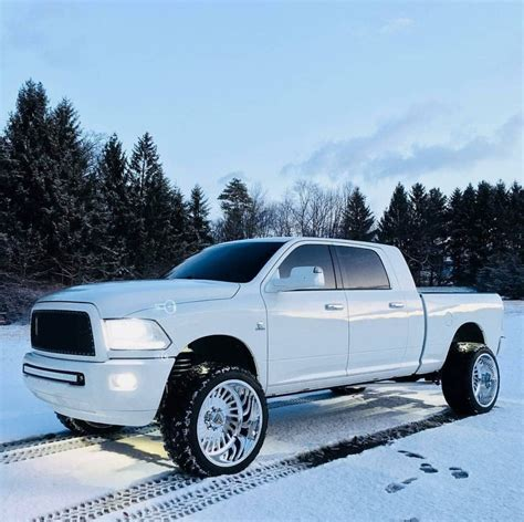 cummins truck lifted clean ram 2500 cummins diesel white lifted trucks i like
